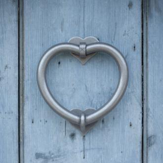 HEART KNOCKER
