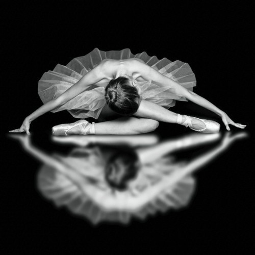 ballerina-ballet-beautiful-black-and-white-dance-Favim.com-309863