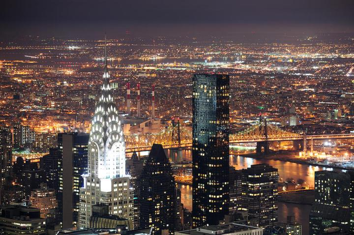 chrysler-building-in-manhattan-new-york-city-at-night-songquan-deng